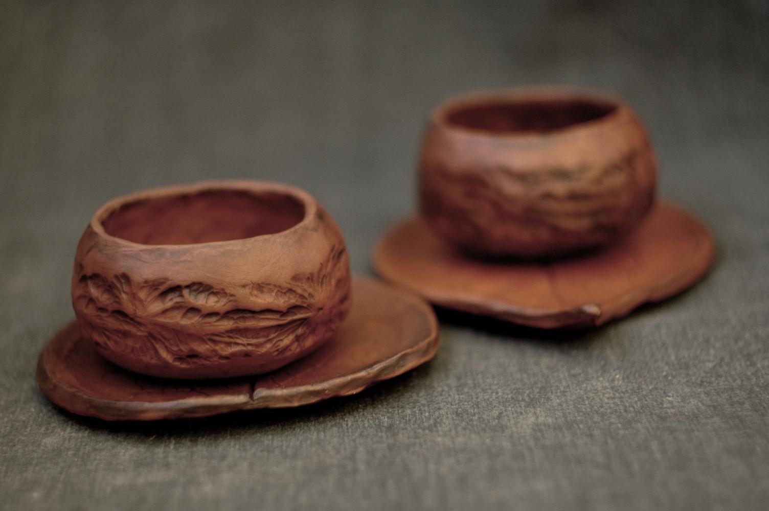 Handmade pottery leaf mugs set of 2